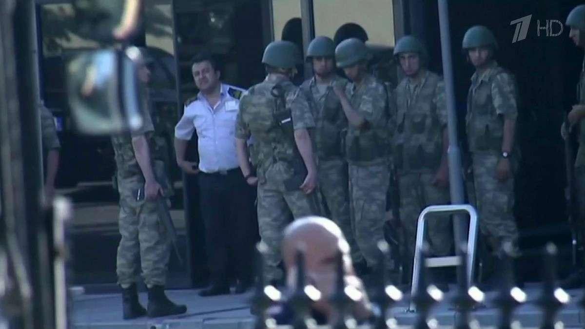 В Турции отпущены на свободу тысяча двести военнослужащих, которых подозревали в причастности к мятежу