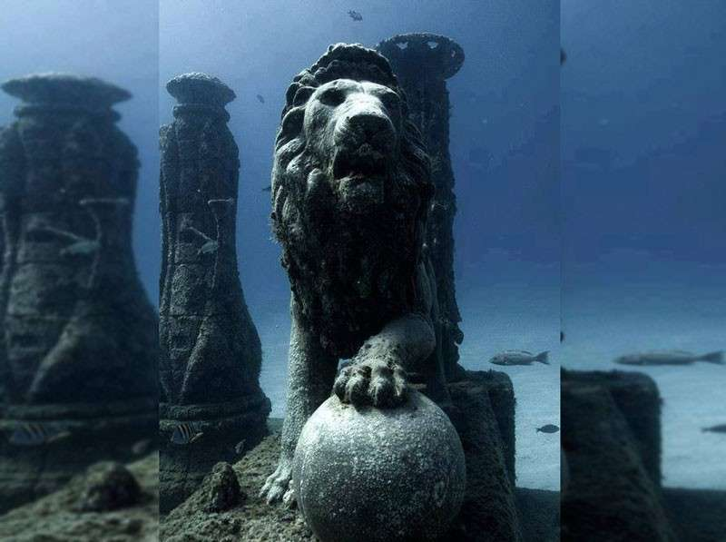 Cleopatras-underwater-palace-Egypt-.