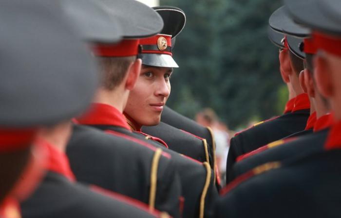 Правительство возродило Тульское суворовское военное училище