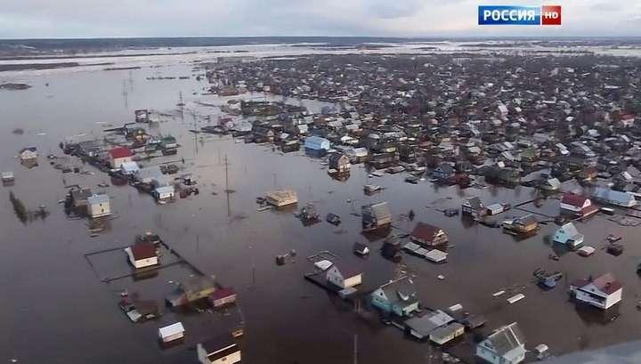 Потоп под Омском: погибло всё - от огурцов до картофеля
