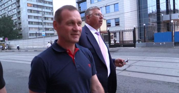 Глава ФТС отказался отвечать, откуда у него найденные при обыске миллионы