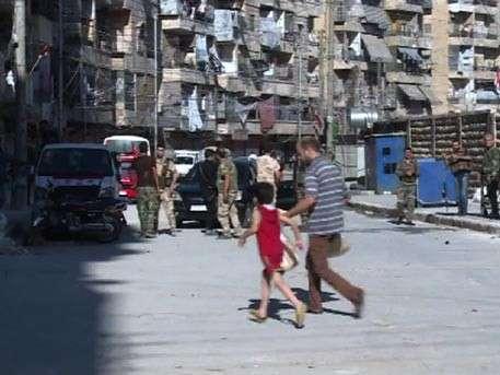 Террористы взяли в заложники всех мужчин Алеппо
