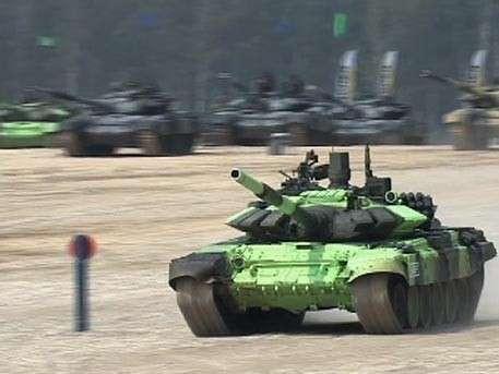 Россия финишировала с лучшим временем в индивидуальном заезде «Танкового биатлона»
