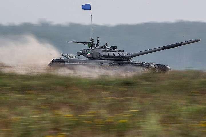 В первый день Игр прошли соревнования по танковому биатлону. министр обороны Сергей Шойгу