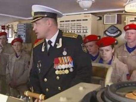 Школьники-североморцы пополнили ряды Юнармии на борту «Адмирала Кузнецова»