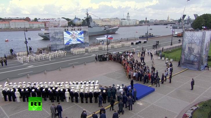 Владимир Путин на праздновании Дня ВМФ в Санкт-Петербурге - прямая трансляция