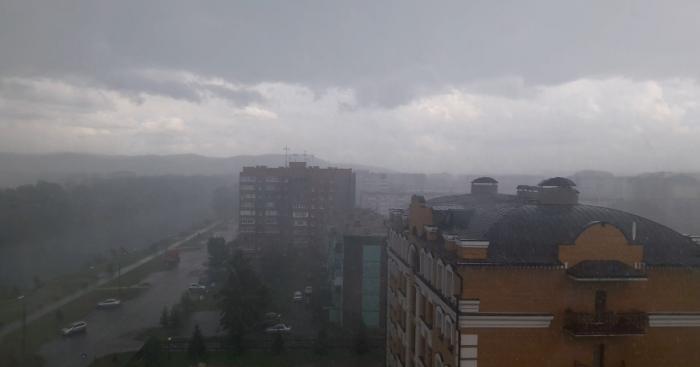В Хакасии в середине лета выпал снег с дождём