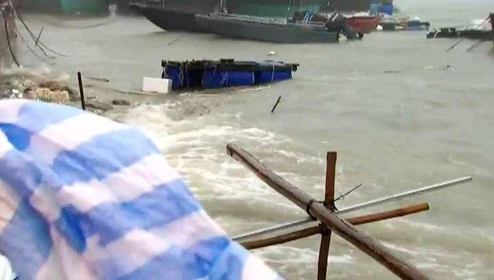 Южный Китай и Гонконг оказались во власти мощного тайфуна Нида