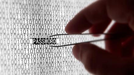 Электронный шпионаж давно и широко используется английскими спецслужбами