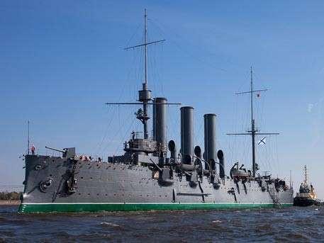 Крейсер «Аврора» открылся для посетителей после двух лет реставрации