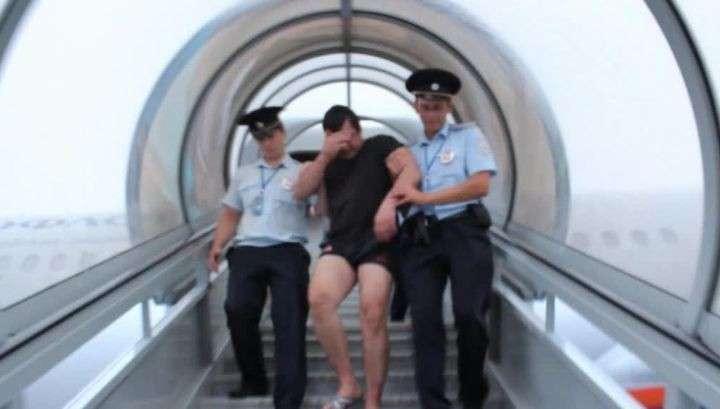 Авиадебошир из Южно-Сахалинска Максим Г. наказан за мелкое хулиганство