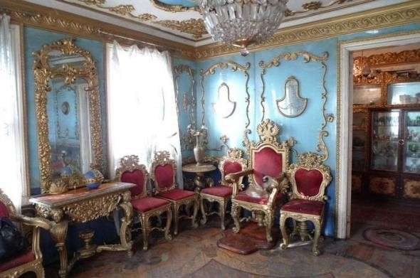 Как простой деревенский мужик себе царский дворец сделал