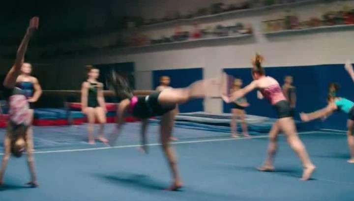 Тренеры-педофилы из США годами совращали молоденьких гимнасток