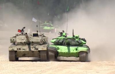 Китайский танк на АрМИ-2016 атаковал иранский экипаж