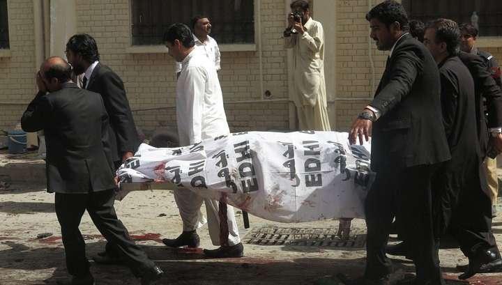 Число жертв взрыва в Пакистанской больнице превысило 90 человек