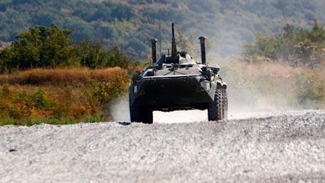 АРМИ-2016: эффектные кадры гонки преследования на боевых машинах со стрельбой на плаву