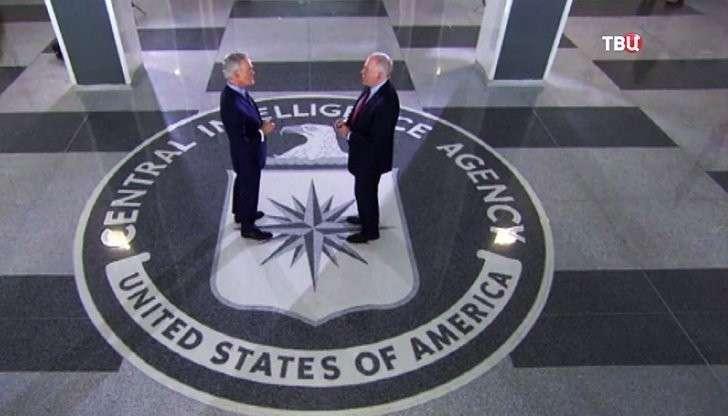 Местный американский дурачок - бывший замдиректора ЦРУ - призвал давить на Москву, убивая русских в Сирии