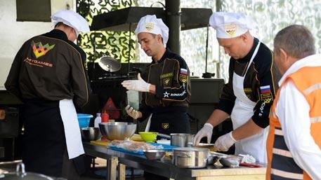 Российские повара приготовили самый вкусный обед на АрМИ-2016
