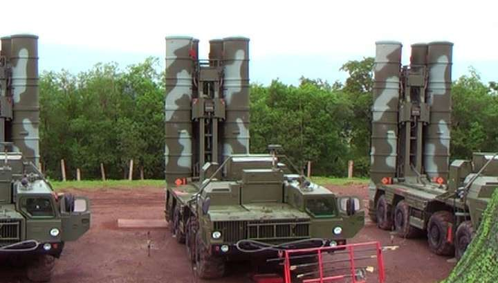 В Крыму развернули зенитную ракетную систему ПВО С-400 «Триумф»