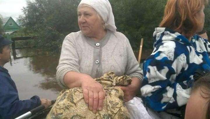 Неожиданный потоп в Иркутской области: вой собак вовремя разбудил дачников