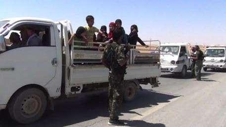Несколько сотен заложников освобождены из плена ИГИЛ