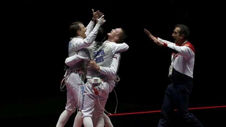 3. Российские рапиристы выиграли золото ОИ-2016 в командном турнире Сделано у нас, история, политика, факты