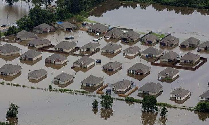 Жертвами наводнения вСША стали три человека