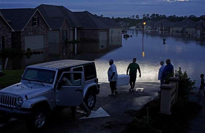 ВЛуизиане масштабное наводнение: 3 человека погибли, объявленоЧП
