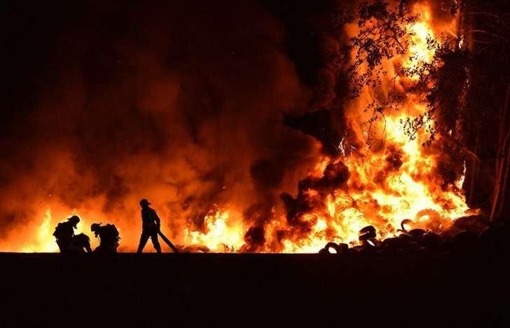 Почему мы отправили самолёты тушить пожары в Португалию, одобрившую санкции?