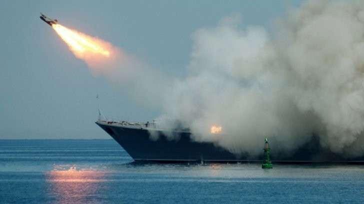 Корабли российского военно-морского флота атаковали террористов в Алеппо