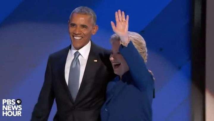 Барак Обама отказался от отпуска, чтобы поддержать больную Клинтон