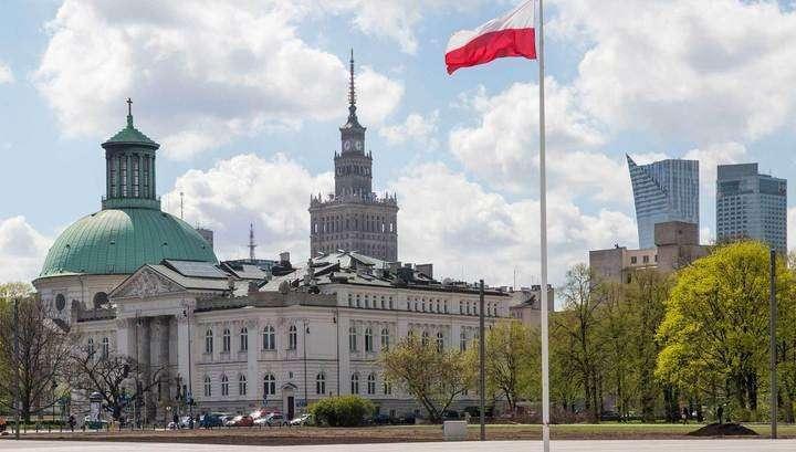 Трусливые ничтожества в Польше хотят уничтожить памятник Неизвестному солдату