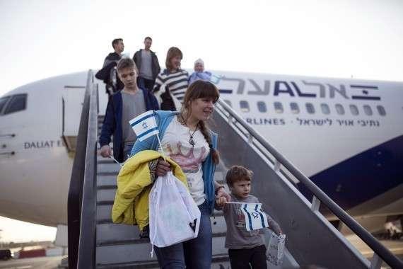 Евреи продолжают бежать из Украины, чтобы не отвечать за содеянное