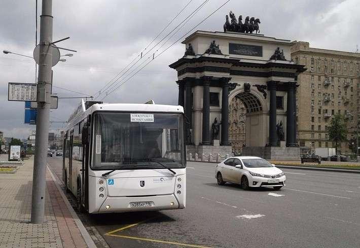 Электробус КАМАЗ впервые появился на улицах Москвы