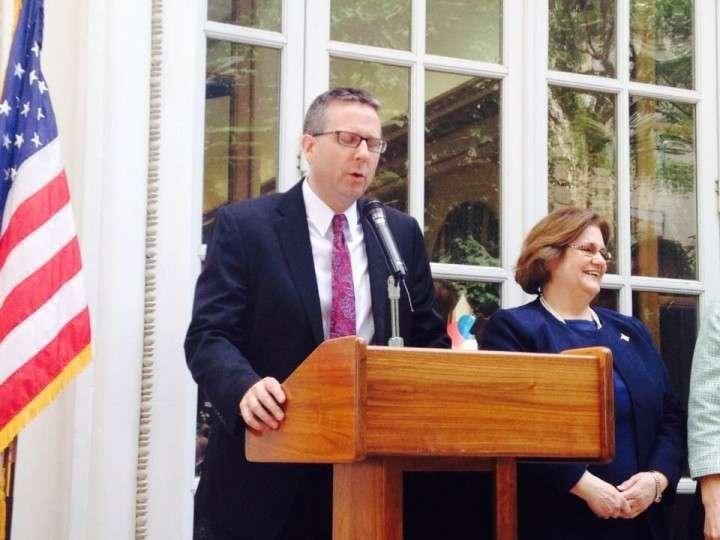 Кто пришел отметить День независимости США в американское посольство