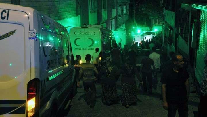 Взрыв на юге Турции, по уточнённым данным, унёс жизни 30 человек. Около 100 ранены