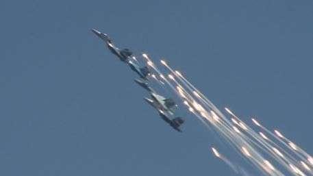 В Хабаровске «Соколы России» показали высший пилотаж на юбилее ВВС и ПВО