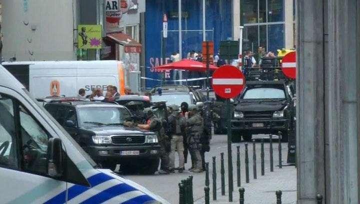В Брюсселе женщина с ножом на автобусной остановке ранила троих