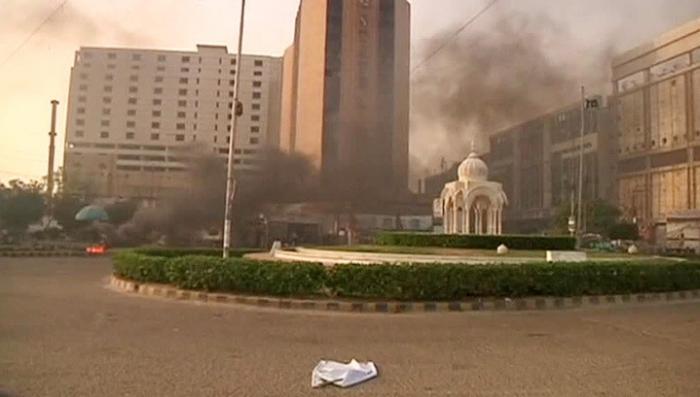 В Пакистане оппозиционеры напали на офис телекомпании, один человек погиб