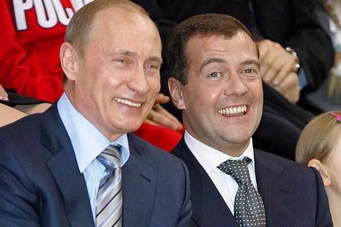 Киевский шалман насмешил всех: Хунта собралась арестовать Путина и Медведева