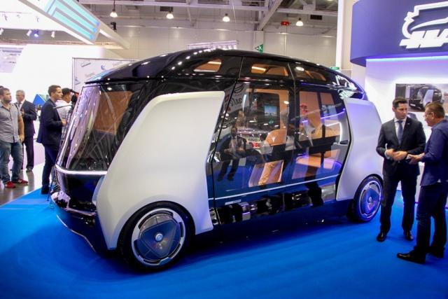 «КамАЗ» показал беспилотные микроавтобусы «Шатл»