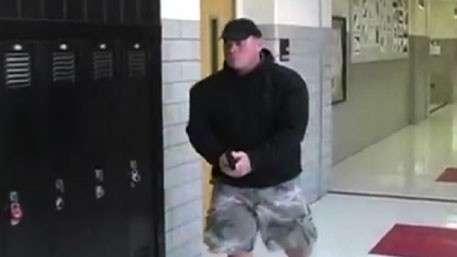 В Калифорнии учителям разрешили носить оружие в школах