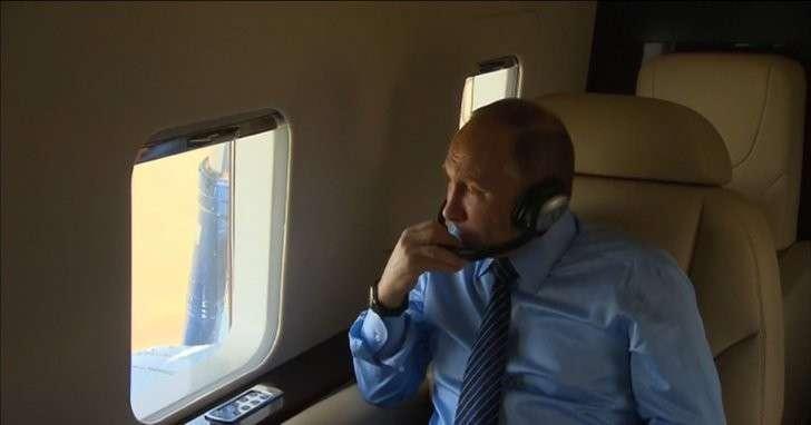 Владимир Путин с вертолёта осмотрел новый курортный комплекс в Алтайском крае