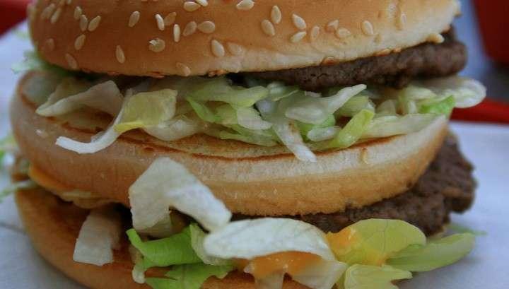 В США в бургерах ресторана McDonald's обнаружены черви