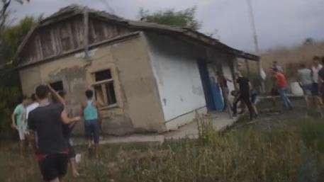 Новое видео погромов цыганского посёлка под Одессой, вызванных убийством ребёнка