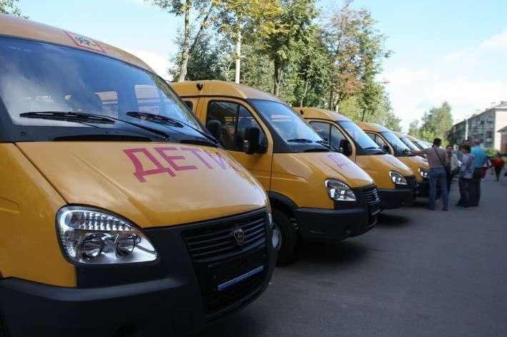 17. В Псковскую область поступила первая партия школьных автобусов Сделано у нас, политика, факты