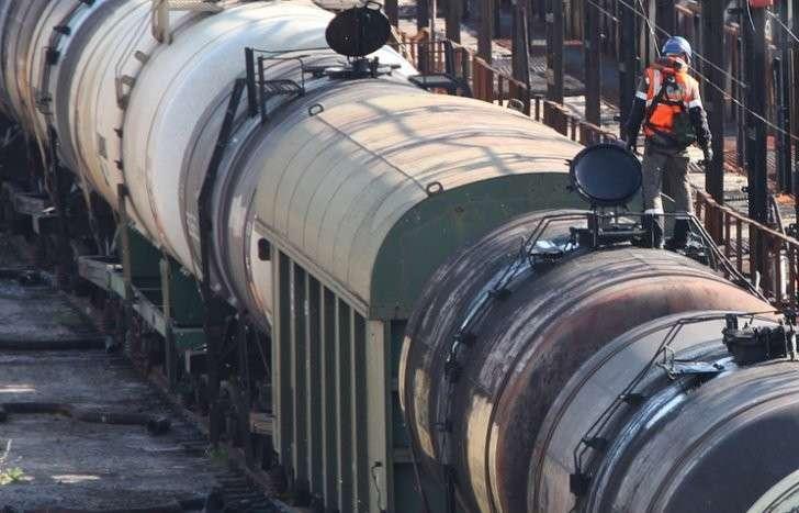 В «Ангарской нефтехимической компании» Роснефти дизельное горючее воровали через врезки