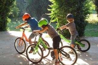 В Татарстане семья получила «черную метку» за то, что ребенок один катался на велосипеде