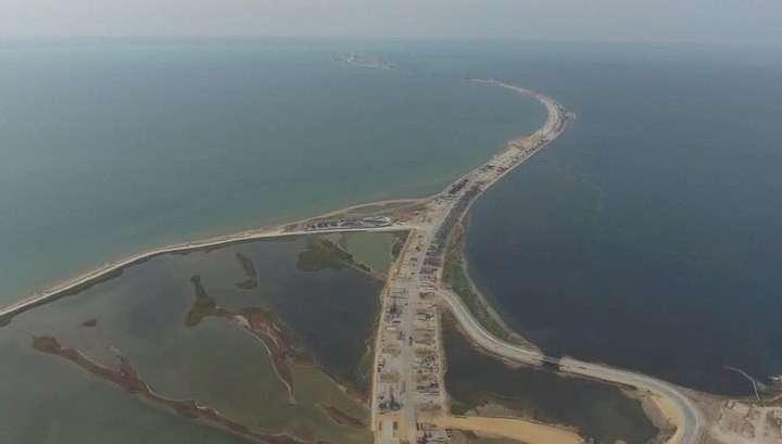 Крымский мост: стройотряды закрывают «трудовой семестр» на главной стройке страны