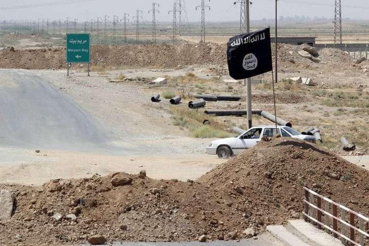ИГИЛ до сих пор жив лишь благодаря США и Англии
